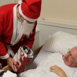 Der Weihnachtsmann besuchte auch die, die nicht am Fest teilnehmen konnten